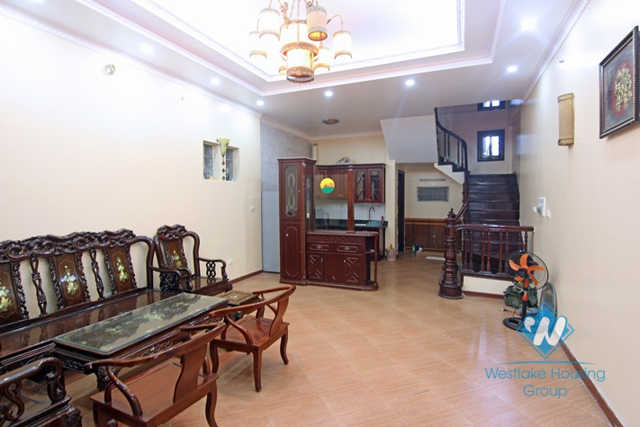 A cheap 3 bedroom house for rent in Au co, Tay ho, Ha noi