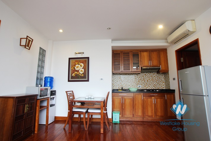 Bright apartment available for rent in Truc Bach area, Ba Dinh, Hanoi, fully furnished.