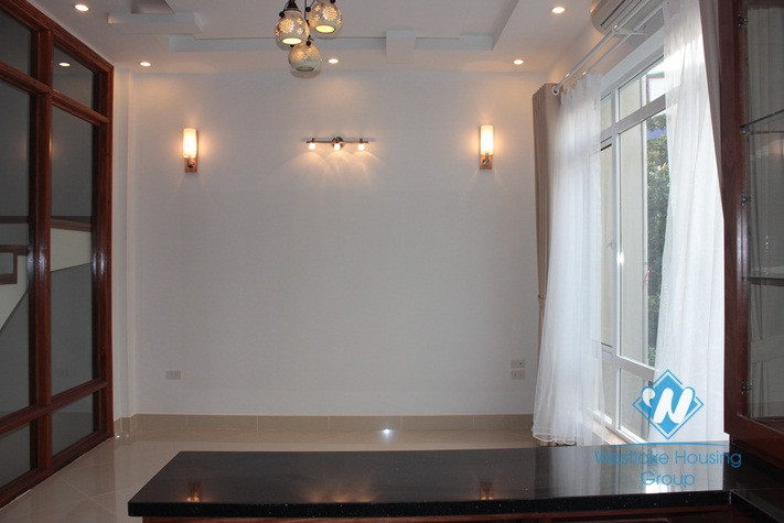 New house for rent in Dang Thai Mai, Tay Ho, Ha Noi