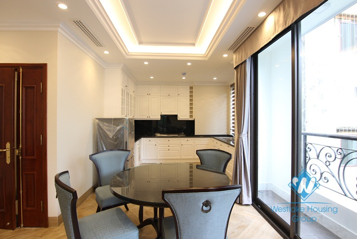 A luxury 1 bedroom apartment for rent on Yen Phu Street