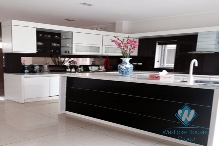 05 bedrooms villa for rent in Vinhomes Long Bien