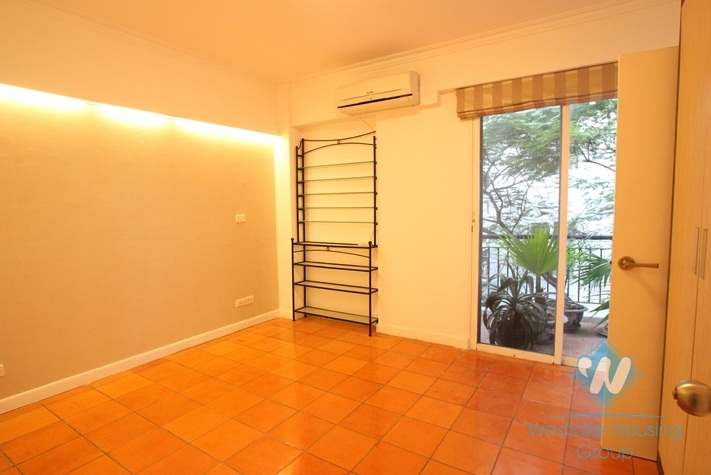 Lake view apartment with 3 bedrooms for lease in Truc Bach area.