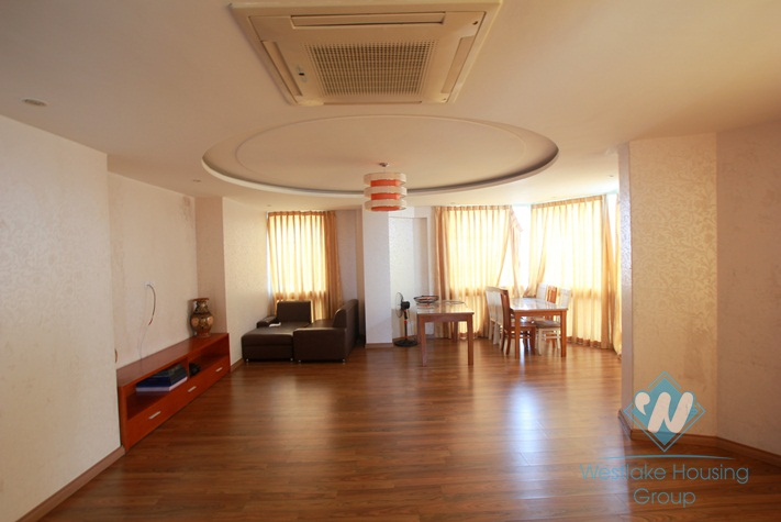 Bright apartment for rent in Tay Ho area, Ha Noi