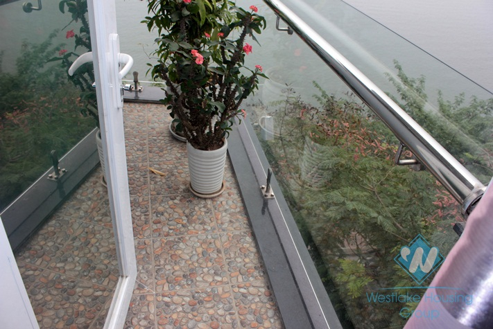 Nice lake view apartment for lease in Tay Ho district, Hanoi