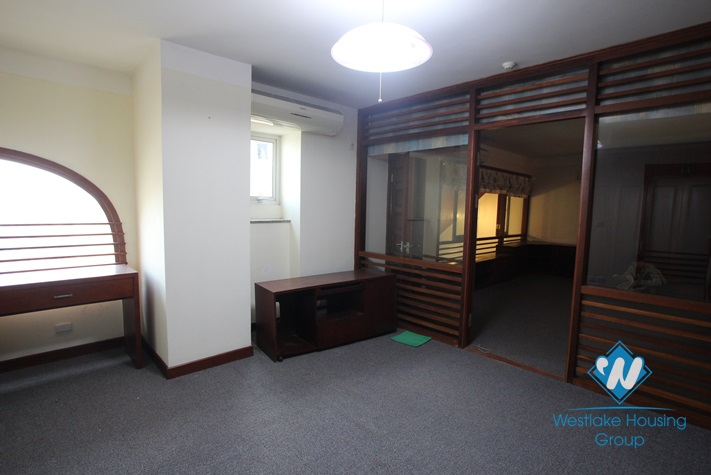 Nice penthouse apartment for rent in E Tower, Ciputra, Tay Ho, Ha Noi