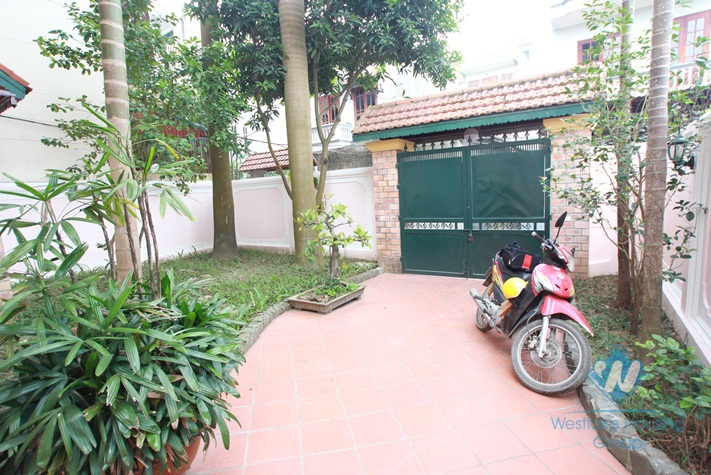 Beautiful house with nice garden for lease in Au co st, Tay Ho District