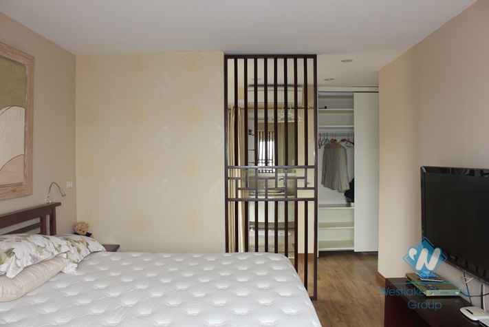 High quality apartment with 2 bedroom for rent in Tay Ho, Ha Noi