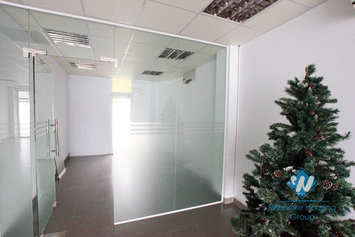 Brand new office for rent in Xuan Dieu, Tay Ho, Hanoi