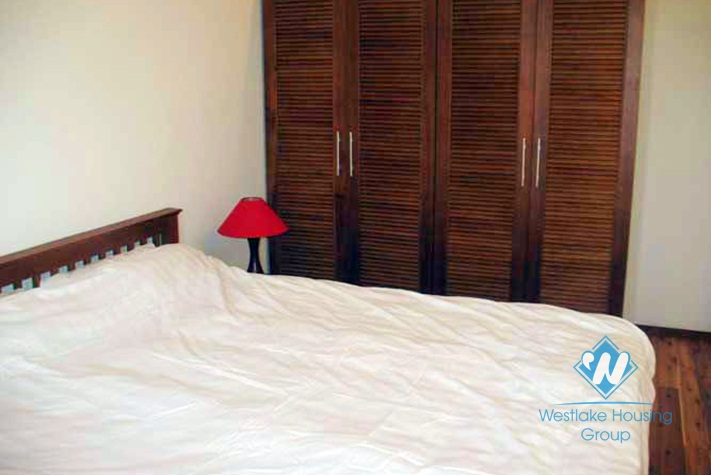 High quality and lake view apartment for rent in Yen Phu Street, Tay Ho, Ha Noi