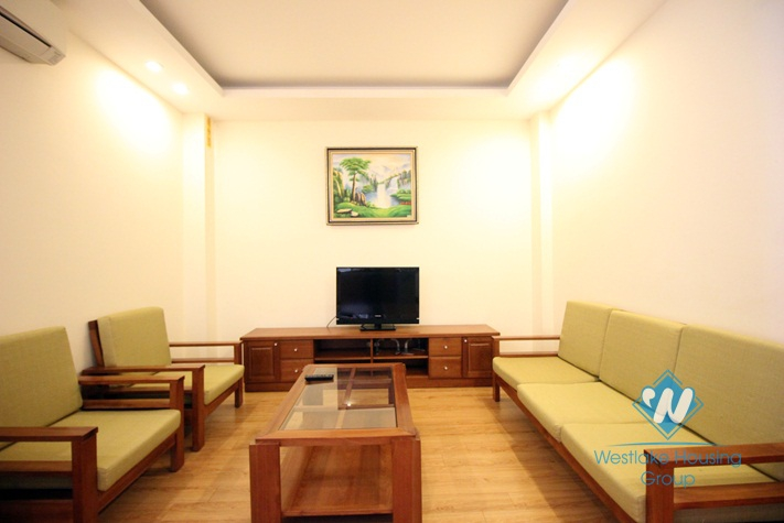 Nice 1 bedroom serviced apartment for rent on Doi Can, Ba Dinh, Hanoi