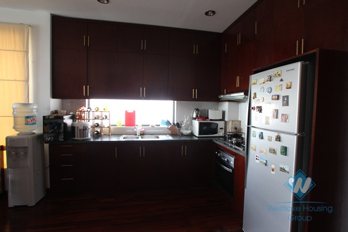 Lake view 2 bedroom apartment for lease in Tay Ho district, Hanoi