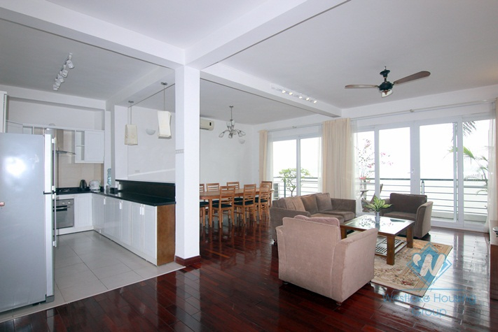 Lake view 3 bedroom apartment for rent in Tay Ho