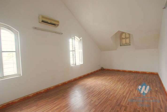 Unfurnished house for rent in Nghi Tam Street, Tay Ho, Hanoi, Good to making School, office