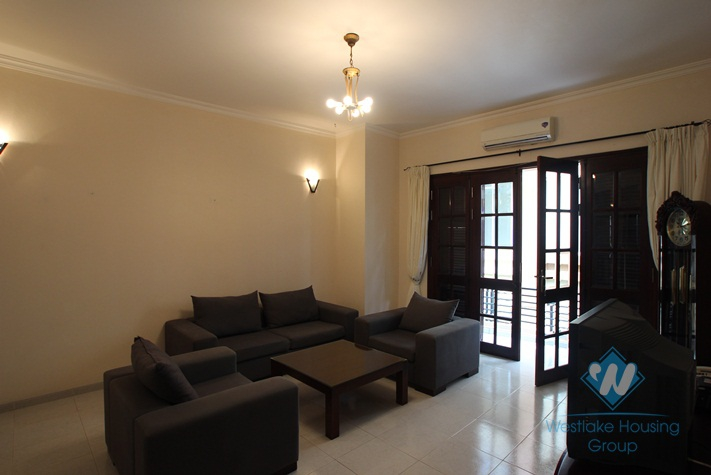 House for rent with 4 bedrooms and 4 bathrooms in Westlake, Tay Ho District, Ha Noi