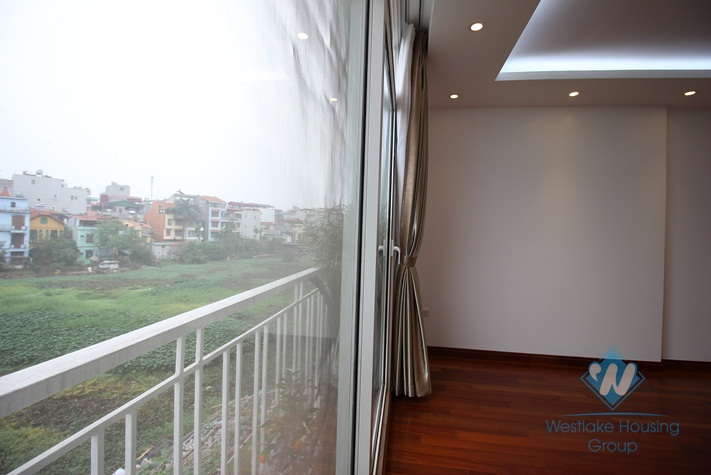 Spacious three bedroom apartment for rent on Xuan Dieu, Tay Ho