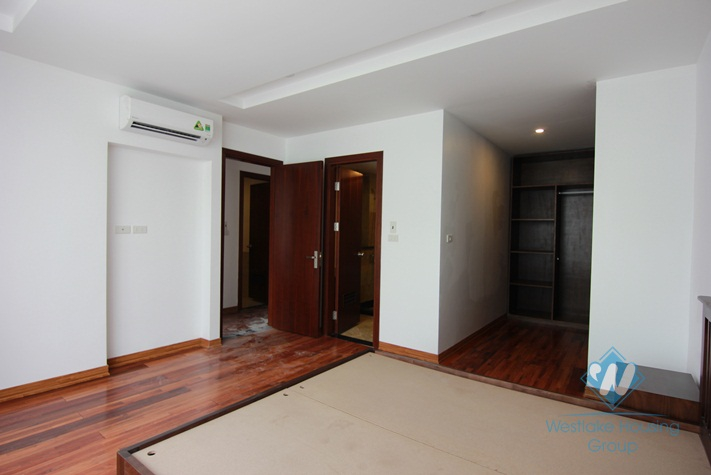 Brandnew modern apartment with stunning lakeview for rent in Tay Ho