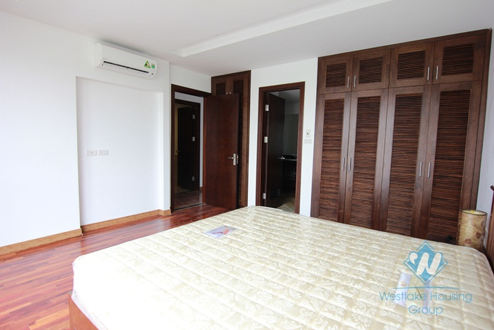 Lakeside three bed apartment for rent in Tay Ho, Hanoi
