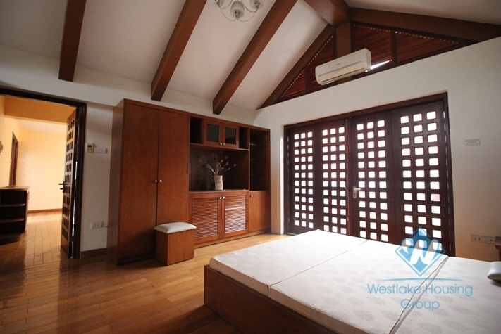 Lakeside villa with swimming pool for rent in Tay Ho, Hanoi