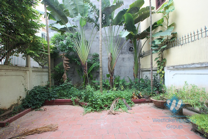 Big House with nice yard for rent in Dang Thai Mai st, Tay Ho, Ha Noi