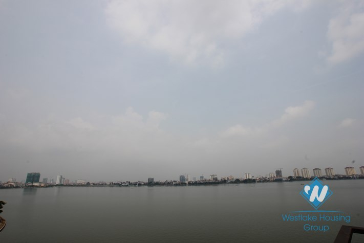 Large 01 bedroom lake view apartment available for rent in Tay Ho district, Hanoi