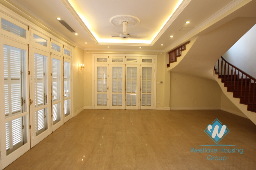 Unfurnish large size house with garden and swimming pool for rent in Ciputra, Tay Ho, Hanoi