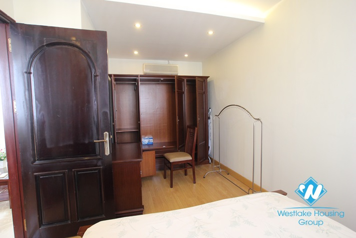 High floor apartment for rent in Hoan Kiem district, Hanoi. Price for rent 700 USD/month.
