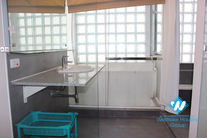 High floor apartment for rent in Ba Dinh District