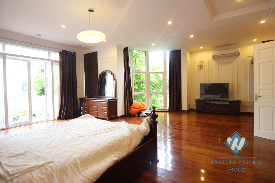 High quality class villa for rent with a huge garden for rent in Ciputra area, Tay Ho, Ha Noi