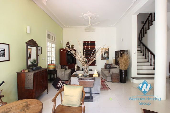 Charming house with 4 bedrooms, large yard and garden in Dang Thai Mai