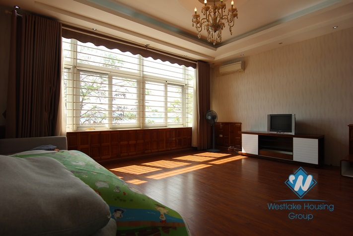 House with 4 bedrooms for rent in Yen Phu Village, Tay Ho, Ha Noi