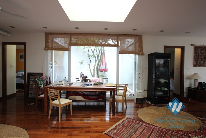 Beautiful and nice house for rent in Tay Ho area , Ha Noi.