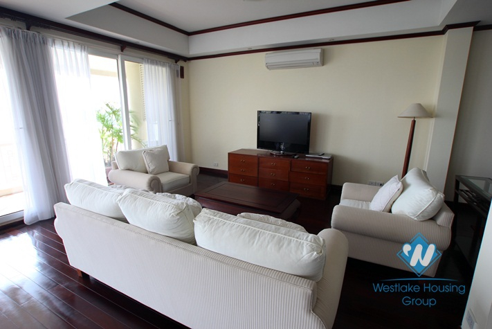 High quality duplex serviced apartment for rent in Tay Ho, Hanoi