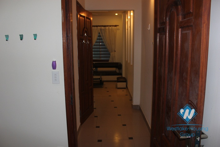 Apartment with 01 bedroom, 02 bathrooms for rent in Tay Ho
