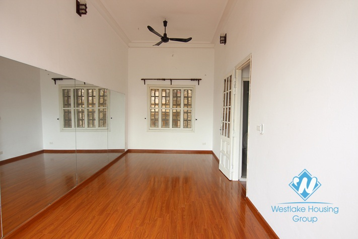 Green house for rent in Tay Ho, Ha Noi