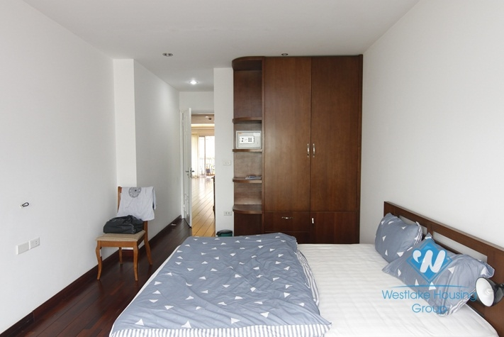 A nice reasonable price 2 bedroom apartment for rent in Dong Da District