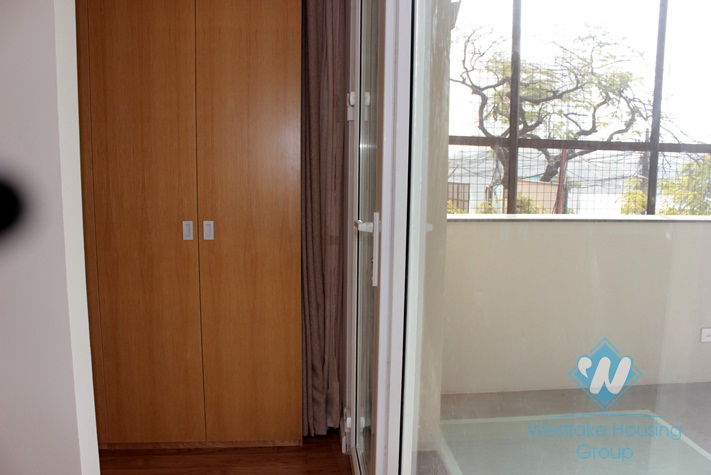 Brand new apartment with lake view for rent in Xuan Dieu street, Tay Ho, Hanoi