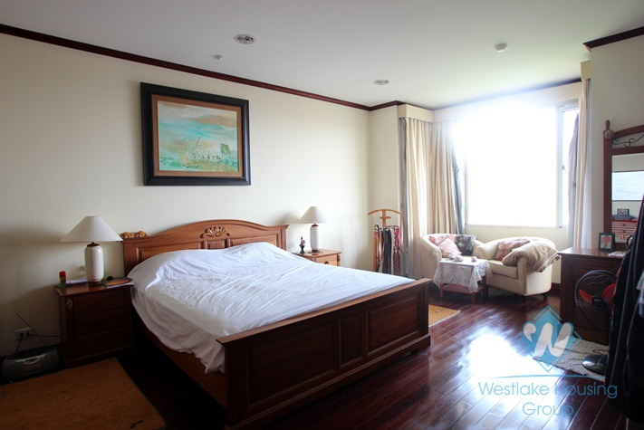 Stunning duplex apartment with lake view in Xuan Dieu street