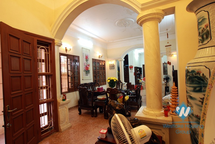 Unfurnished house for rent in Dang Thai Mai Street, Tay Ho, Ha Noi