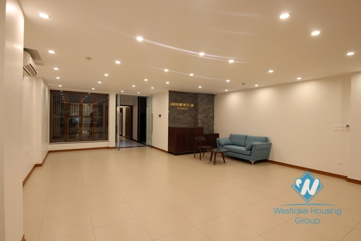 An office space for rent in Trinh cong son, Tay ho, Ha noi