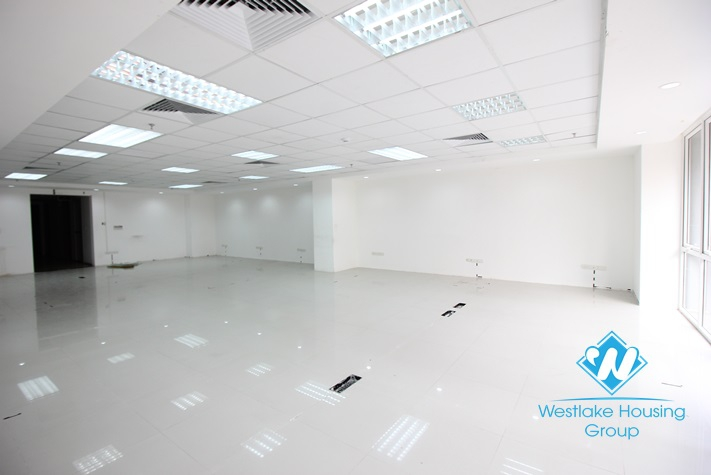 Beautiful office for rent in Hoan Kiem district, Ha Noi City