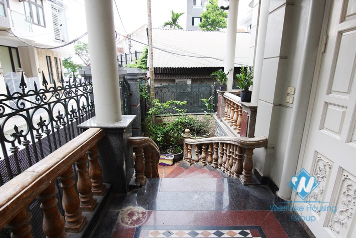 Luxury house for rent in Tay Ho District, Ha Noi