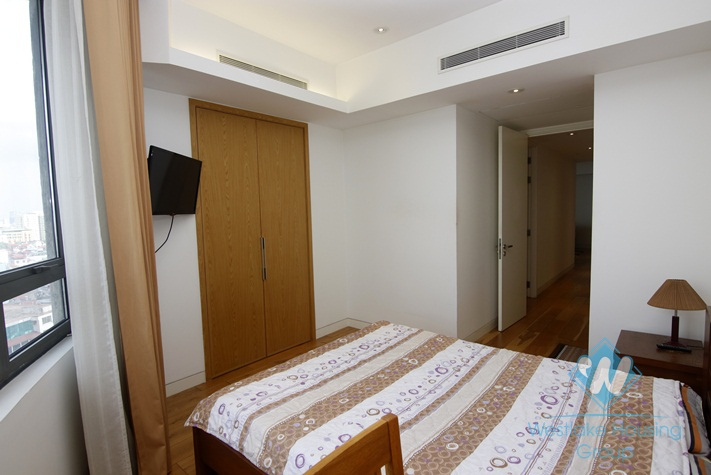 Full furnitures with 03 bedroom apartment for rent in Indochina Plaza