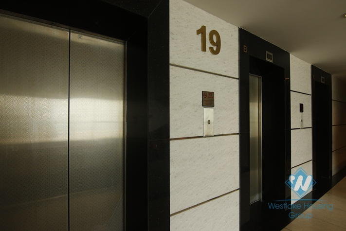 High floor office space for rent in Hoan Kiem district, Ha Noi
