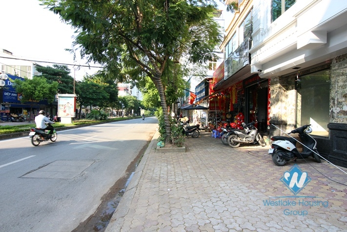 Big office for rent in main road of Lac long quan, Tay ho
