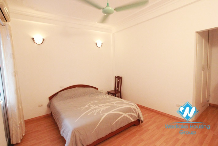 Nice apartment for rent in Nghi Tam Village, Tay Ho , Ha Noi