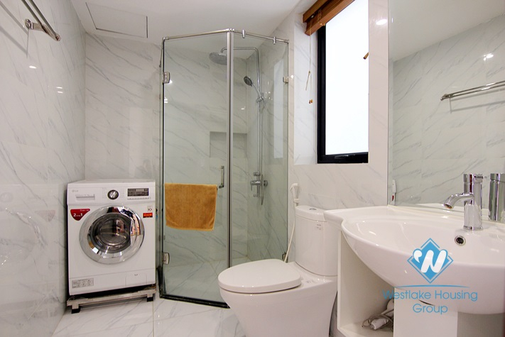 Morden and Brand new Studio with lakeview for rent in Au Co street, Tay Ho district.