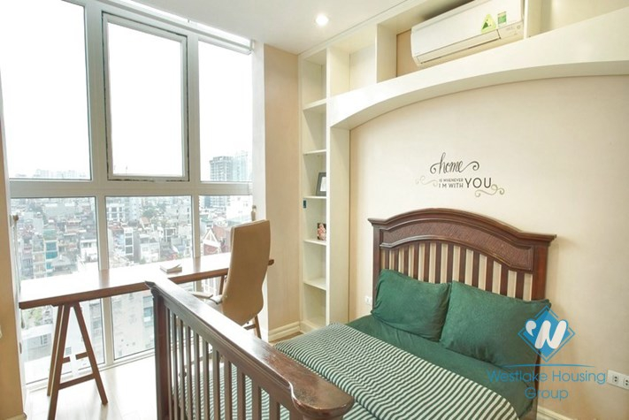 A gorgeously beautiful and stylish 3 bedroom apartment for rent in Dong Da District