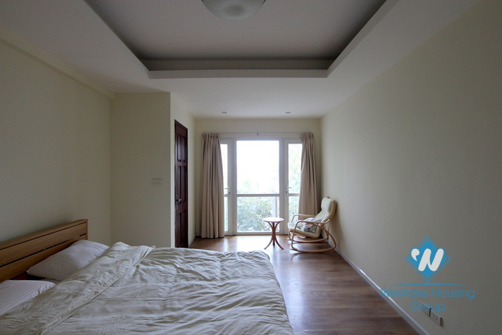 A nice 5 bedroom house by the West Lake side for rent in Tay Ho