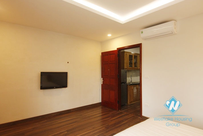 A beautiful high-floor apartment with 1 bedroom for rent on Kim Ma street, Ba Dinh