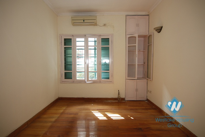 An unfunished and newly-renovated 3 bedroom house for rent in Ba Dinh District